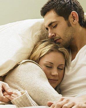 عکس آغوش زن و شوهر